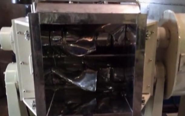 液压翻缸捏合机生产视频
