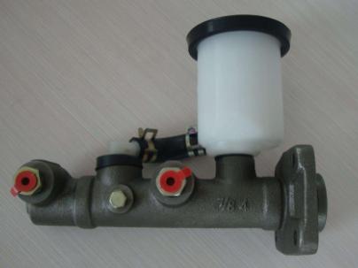 制动泵的简介及串联式双腔制动主缸结构