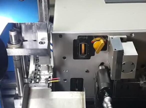 电子线端子压接机
