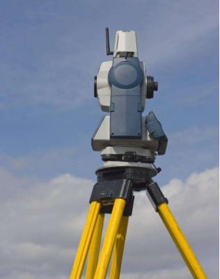 经纬仪的使用方案 野外测绘方位判断的方法