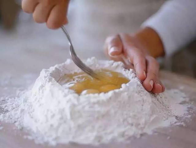 手工和面vs机器和面及厨师机的使用技巧