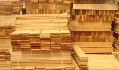 北京东坝名贵木材市场被下令十日内关闭
