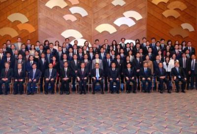 无锡尚德副总裁高瞻在日本受中国总理李克强接见