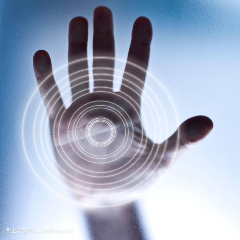现代科学技术离不开传感器