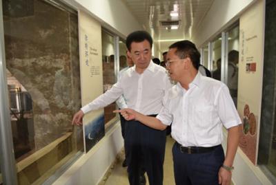 万达集团董事长王健林一行参观考察茅台集团