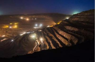 澳洲矿山告别巡逻式查灯 使用联网照明