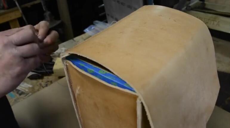 如何制作皮革背包?