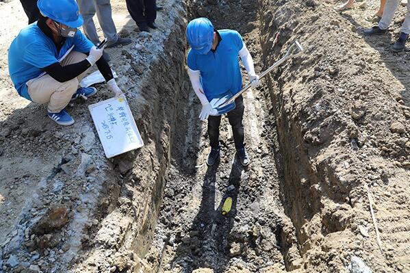常州工业园内偷埋几千吨化工废料?