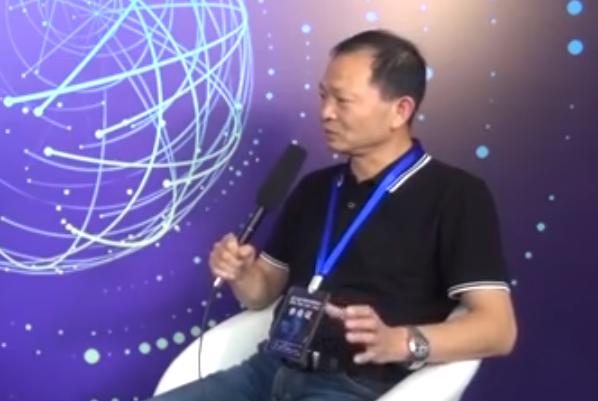 南充市乐福尔工贸有限公司董事长徐雄亮接受采访