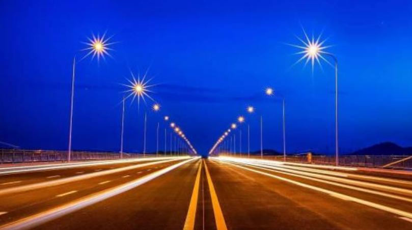 中国高速为什么不安装路灯? 答案怎么跟想象中的不一样!