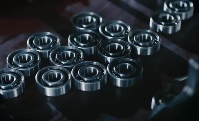 轴承是当代机械设备中一种重要零部件 看它的生产过程