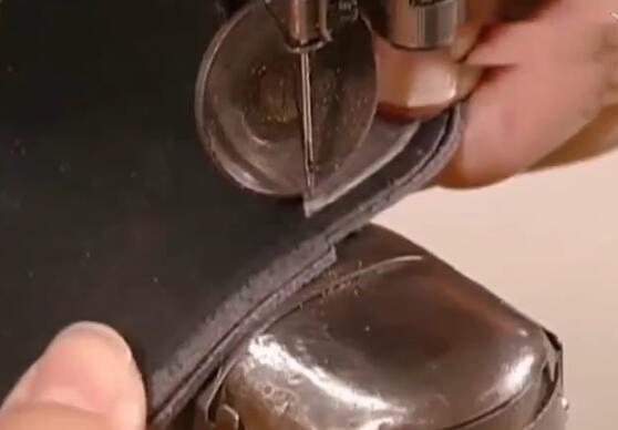 超级工厂皮革鞋的生产全过程机械化