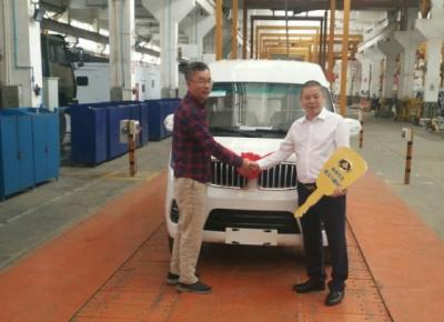 四川聚马飞腾自主品牌新能源物流车M1正式下线