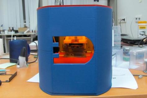 如何用旧光驱制作一台小型3D打印机?