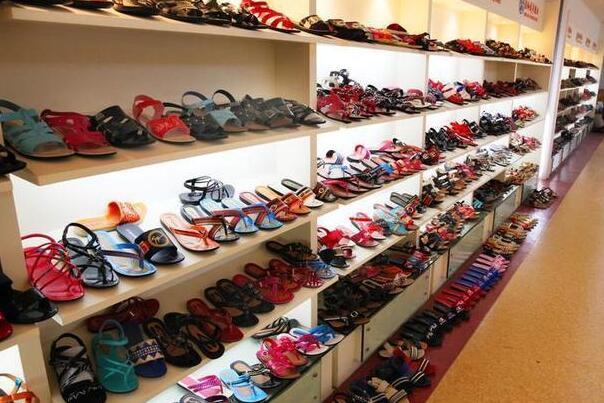 温岭市成奇鞋业:一双凉鞋闯市场