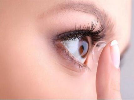 """美国化学会研究报告:冲入下水道的隐形眼镜,最终成为人类的""""食物"""""""