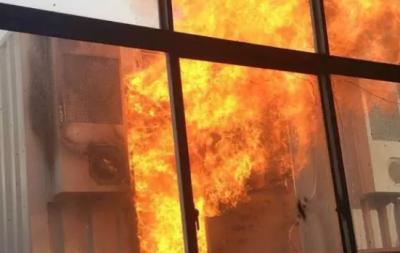 镇江扬中某用户侧储能项目起火 原因暂时不明