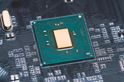 英特尔正在重启22纳米制程,制造全新的H310C芯片组