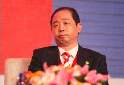 广东甘化董事长胡成中重组关键期离职,转型成型退位让贤?