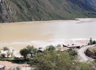 金沙江断流形成堰塞湖 生态环境部紧急部署风险应对工作