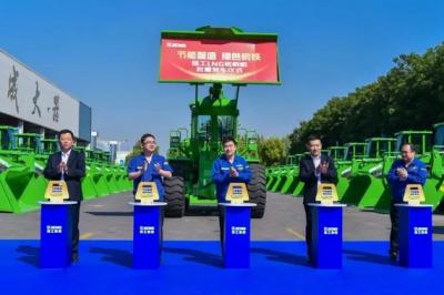 """徐工又现""""超级大单""""!缔造LNG装载机""""绿色军团"""""""