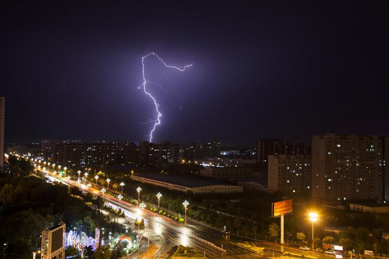 呼和浩特市气象台与环境监测站签署合作协议