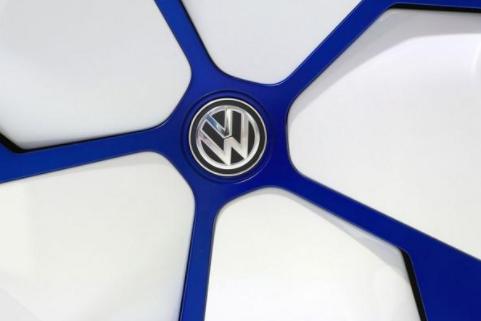 大众与特斯拉竞争:改造三大工厂 拟推售价低于2万欧电动车