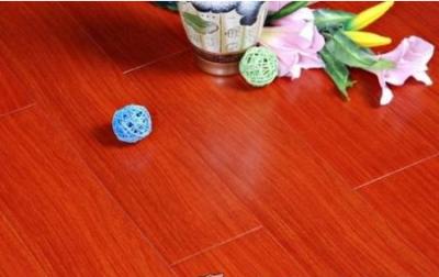 红檀香实木地板市场遇冷,强化地板竞争白热化