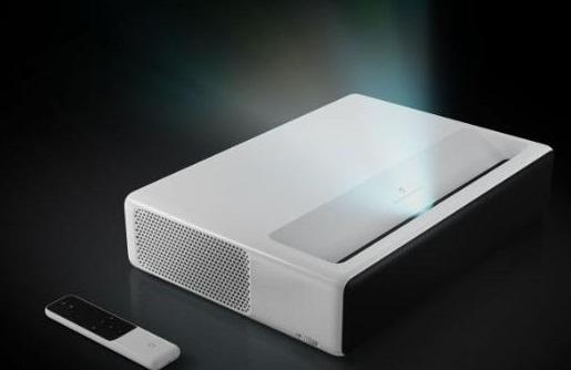 小米超短焦激光投影仪在美国上市:售价2000美元