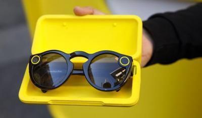 Snap将推出新款AR智能眼镜,改用双摄像头