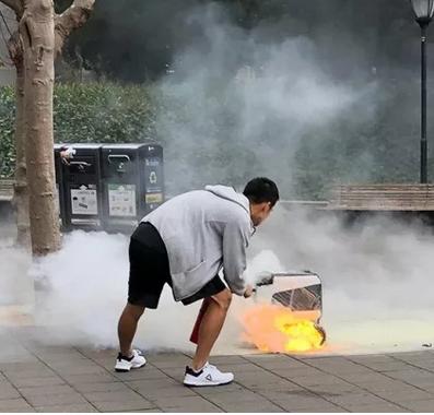 加州伯克利KiwiBot送餐机器人着火,厂商紧急撤回