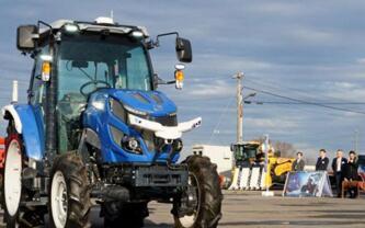 日本井关农机发售首款机器人拖拉机,可进行无人作业
