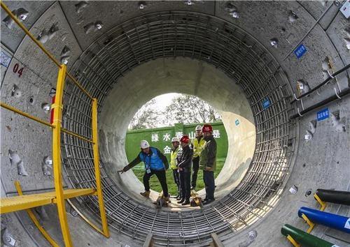 湖北省深层污水传输工程观摩会在武汉召开 污水乘排污地铁专列送入处理厂