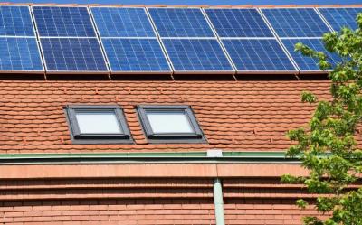 万华化学:固化剂可保太阳能板胶寿命25年