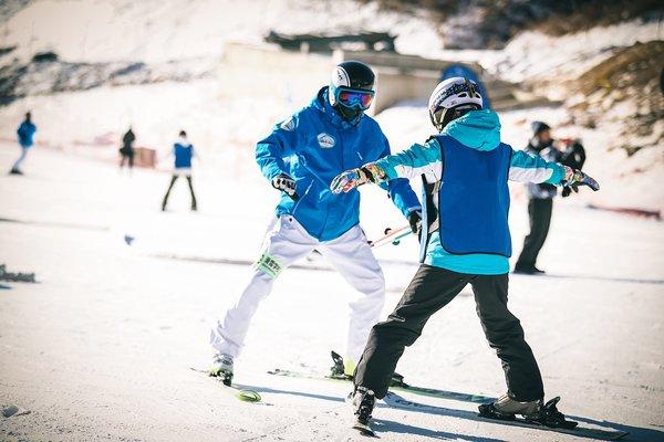 国航与伊利共同助力冬奥会 开启冰雪新体验