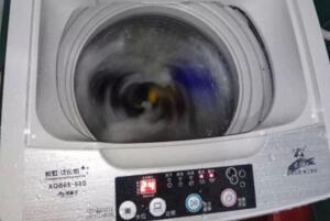 如何给洗衣机消毒?全自动洗衣机怎么清洗和消毒