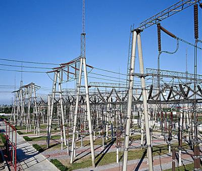 国网青海电力西宁检修基地800千伏换流变组装厂房竣工验收