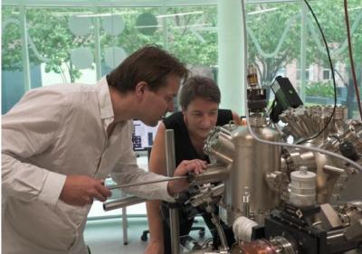 首款3D原子级硅量子芯片架构问世,有望商业化