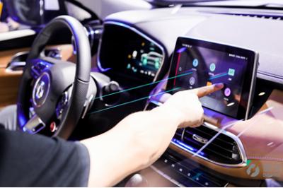 斑马网络发布《2018驾驶行为报告》 为女司机正名