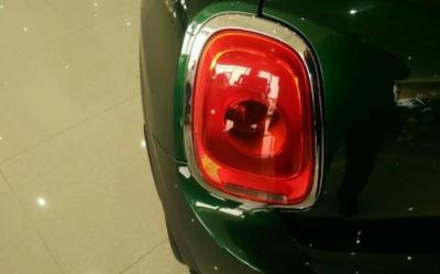 亿光展出车用Mini尾灯及红外灯控模块