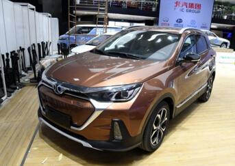 北汽新能源紧凑型纯电动SUV EX5开启预售,18.88万元起售