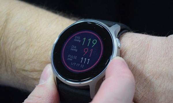 欧姆龙首款可穿戴式智能血压计获FDA批准