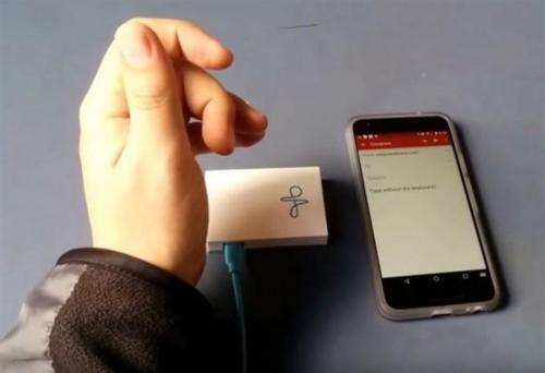 谷歌研发雷达微型传感器,只需轻敲手指即可控制小工具