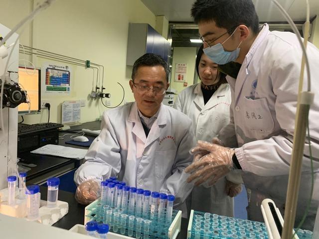 """水中典型污染物健康风险识别关键技术及应用影响着武汉供水""""湖改江""""决策"""