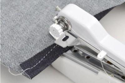 日本电商THANKO推出轻巧随身缝纫机 售价122元