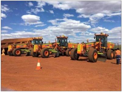 徐工集团平地机第一次开进了澳洲矿区
