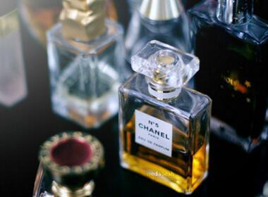 香氛是什么?迪奥香水和香氛的区别与使用方法