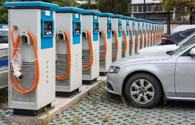 电动汽车充电站功能布局及电能补给方式