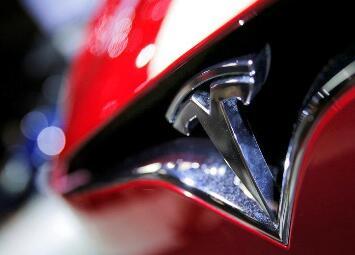 """特斯拉为其电动汽车推出""""哨兵模式""""安全功能,以提高车辆防盗表现"""