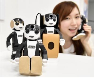 夏普推出第二代机器人手机RoBoHoN,键入了看家应用程序